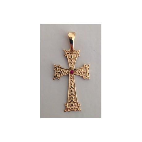 pendentif croix armenienne en or et rubis- khatchkar largeur 14 mm x hauteur 30 mm (bélière comprise)